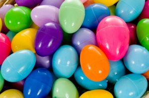 reuse-plastic-easter-eggs33